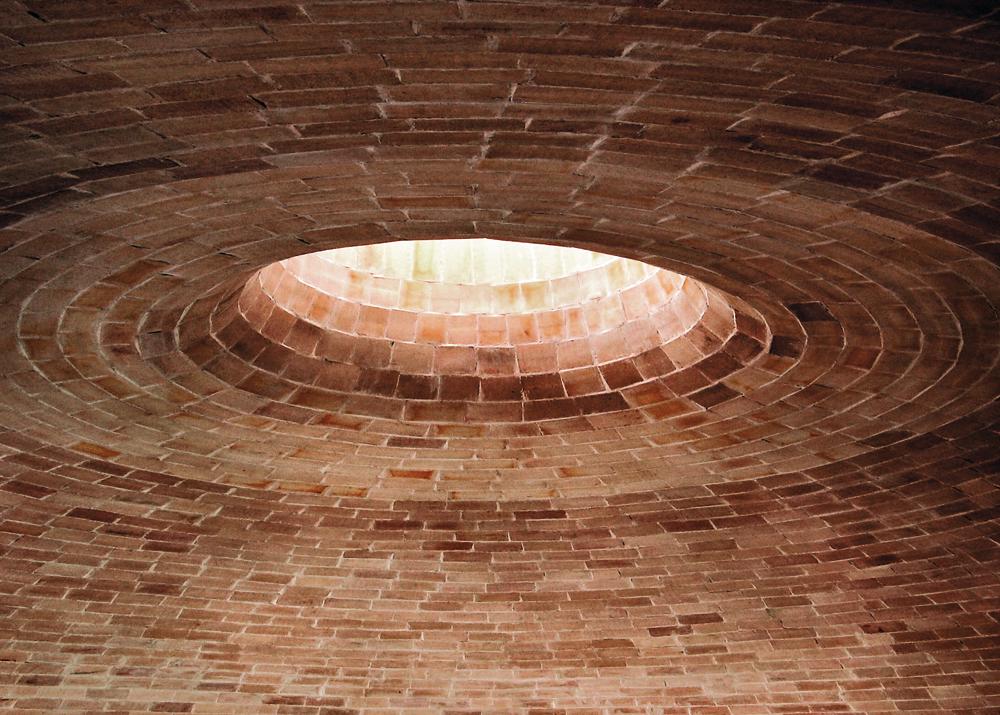 Katalanisches Gewölbe mit Öffnung