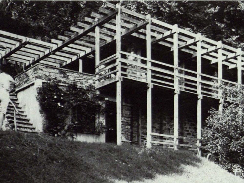 umbau eines alten tessiner hauses mit terrasse und pergola in holzkonstruktion detail inspiration. Black Bedroom Furniture Sets. Home Design Ideas