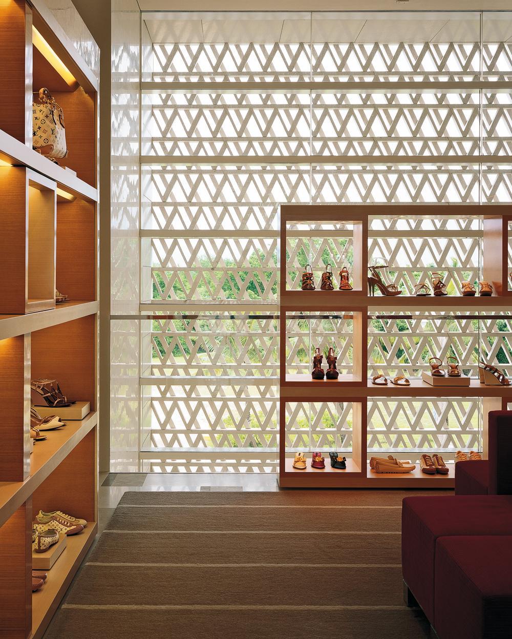 52d891911 Louis Vuitton Flagship Store in Guam - DETAIL inspiration