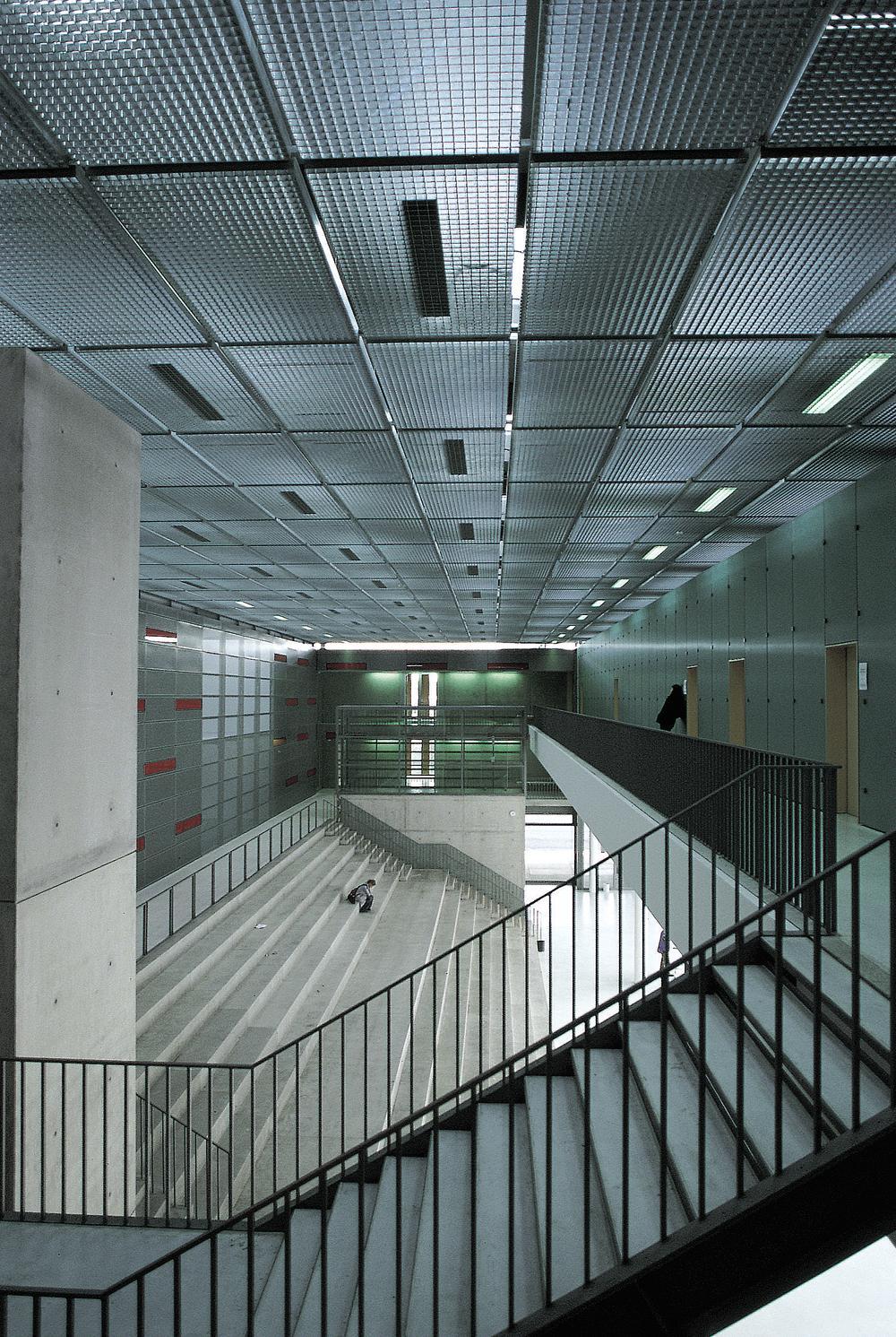 gymnasium in markt indersdorf detail inspiration. Black Bedroom Furniture Sets. Home Design Ideas